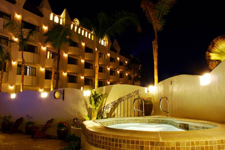 Alberca del Hotel Corona en Ensenada Baja California