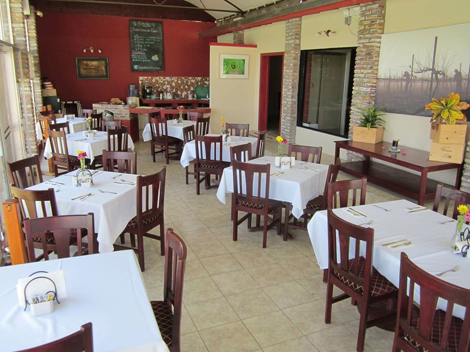 Zarcillo Restaurant 01